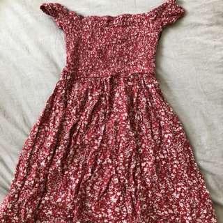 Off shoulder dress size 4-6