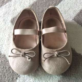 Grey Ballerinas