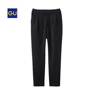 🚚 全新GU黑色休閒褲