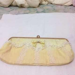 Peach John日本品牌黃色手拿包#好物免費送,限面交