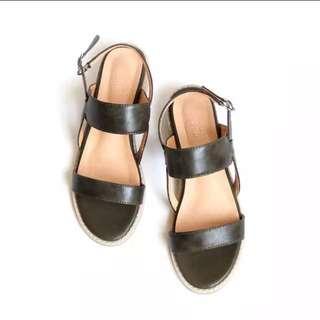 低跟寬帶涼鞋 24.5