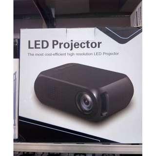 YG320 projector