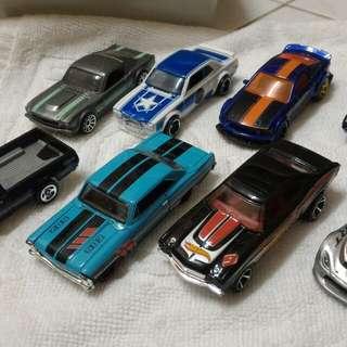 Hotwheels Lot 8 cars