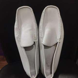TODS driving shoes White