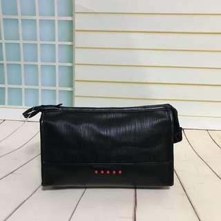 防水仿皮手提袋 手攜袋 化妝袋 化妝箱 雜物袋 旅行袋 郵差袋 文件袋 公事包 手提包 型格 黑色女裝袋