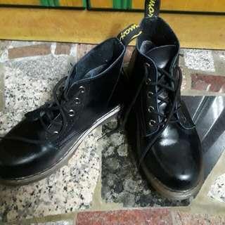 🚚 高筒馬丁靴
