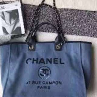 Chanel canvas black