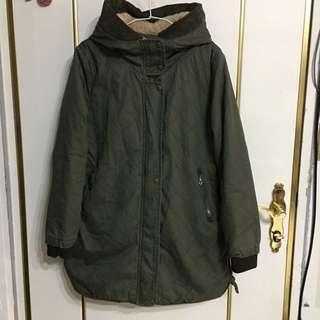 軍綠保暖外套