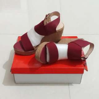 Verse Shoes Red