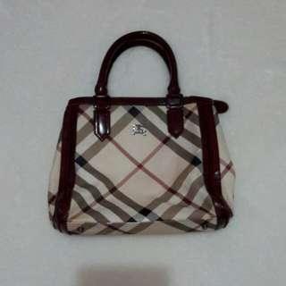 Burberry bags replica
