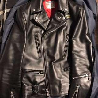 Lewis leather biker 牛皮皮䄛