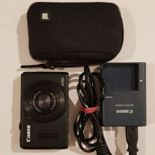 Sony S100 camera with bag, charger and 4gb memory card