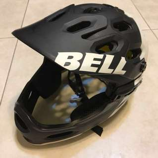 Bell Super 2R with MIPS and chinguard size M