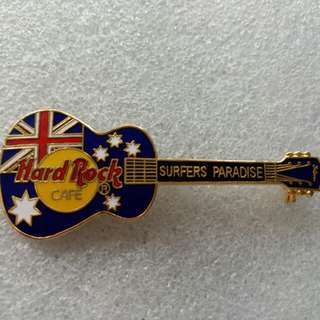 Hard Rock Cafe Pins ~ SURFERS PARADISE HOT GIBSON ACOUSTIC GUITAR WITH FLAG!