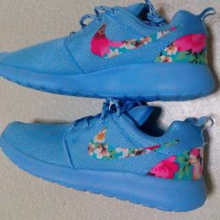NIKE ROSHE RUN Floral Blue