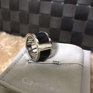 Calvin Klein / 皮革時尚戒指