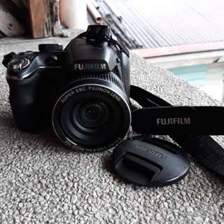 Selling my fujifilm finepix s4000 repriced!! Rush!!