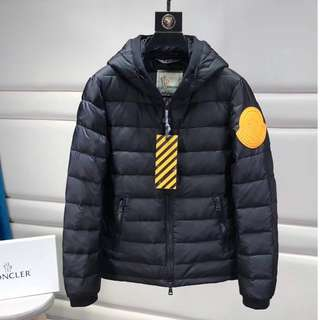 Off Whit Ow 17Fw Moncler 羽絨
