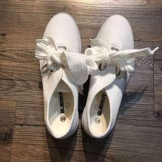 韓製大蝴蝶綁帶小白鞋(仿效oline)
