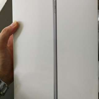 Ipad 128GB space grey BNIB
