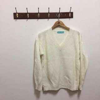 🚚 白色v領針織上衣 厚針織毛衣