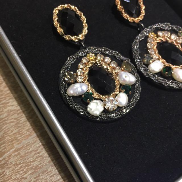 夾式耳環(9成新,附鐵盒)