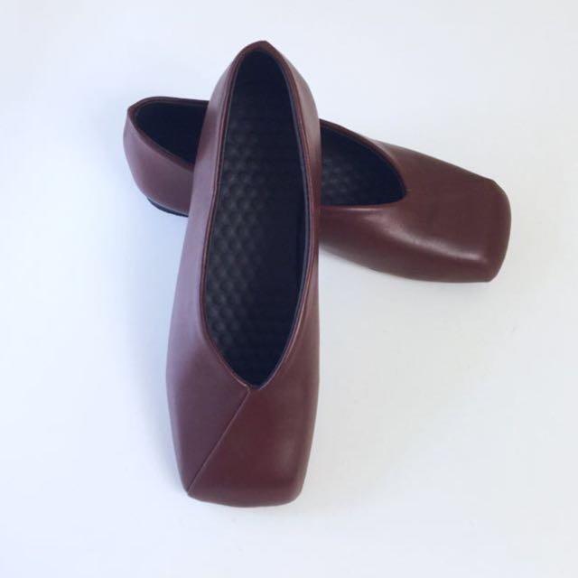全新~方頭平底鞋(棕色)