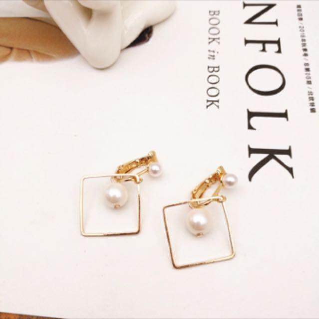 簡約珍珠夾式耳環