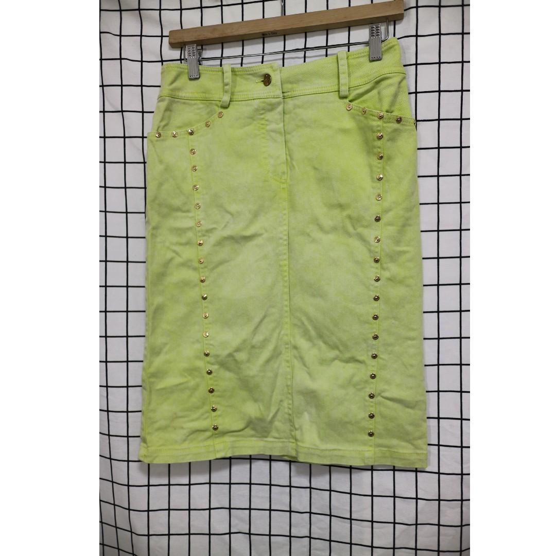 專櫃品牌 鉚釘設計款復古窄裙