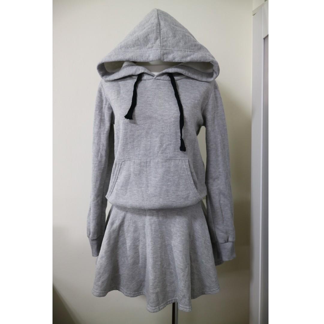 韓妞時尚 正韓製 厚舖棉 縮腰設計顯瘦 休閒帽t款洋裝