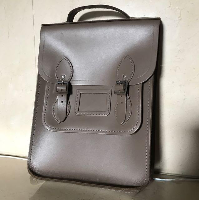 英國手工皮革劍橋包 Portrait Backpack
