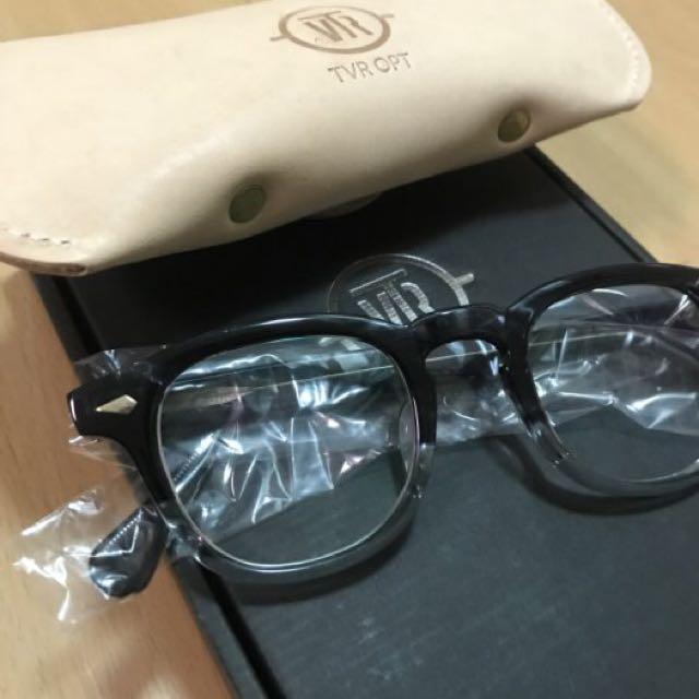 二手美品 TVR 504 黑玳瑁配下緣透明 鏡框 $12,000(免運)
