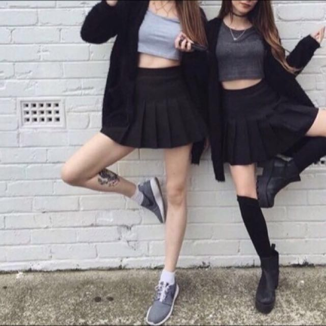 American Apparel Inspired Black Tennis Skirt, Women's Fashion on Carousell