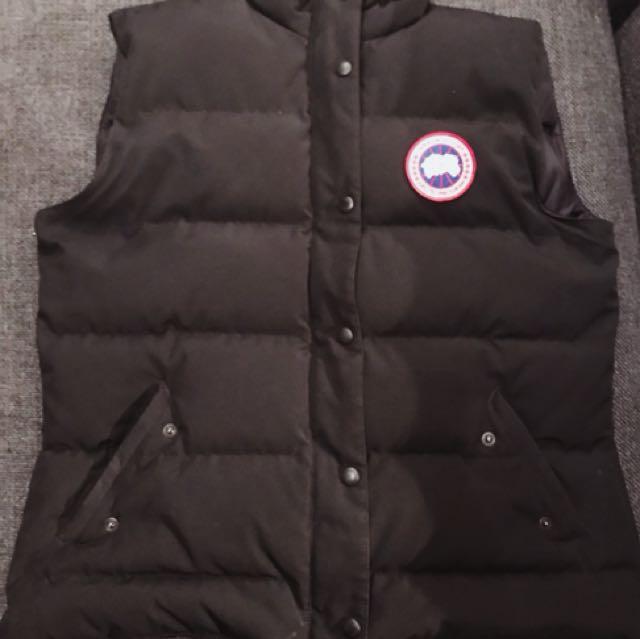 AUTHENTIC Canada Goose Vest