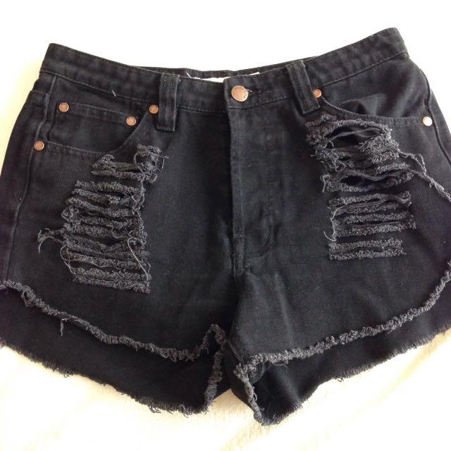 Black mink pink shorts