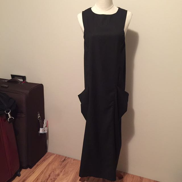 Designed black maxi dress