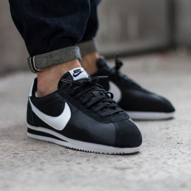 best sneakers ce0f7 af44a Nike Cortez Nylon OG Black   White, Men s Fashion, Footwear on Carousell