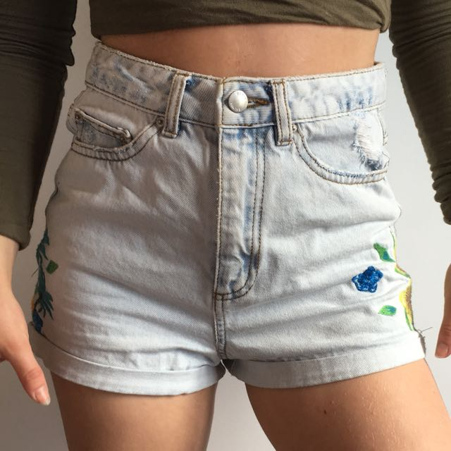 flower mom shorts