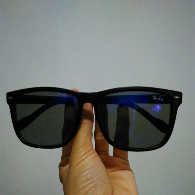 Kaca mata hitam Rp.25.000
