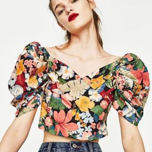 45dbe1cac9e LOOKING FOR !! Zara off shoulder floral puffy sleeves crop top ...