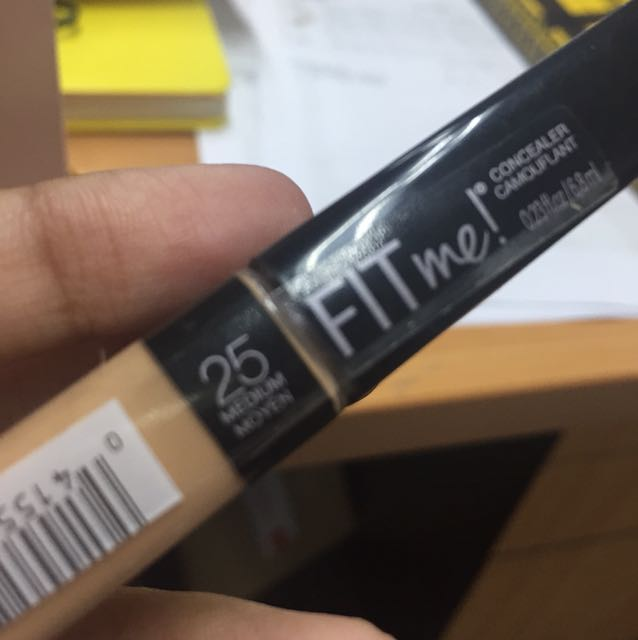 Maybelline fit me concealer 25 Medium Moyen, Health & Beauty, Makeup on Carousell