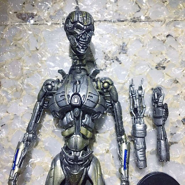 "McFarlane TERMINATOR 3 T3 Rise of the Machines - T-X Endoskeleton 7"" Neca"