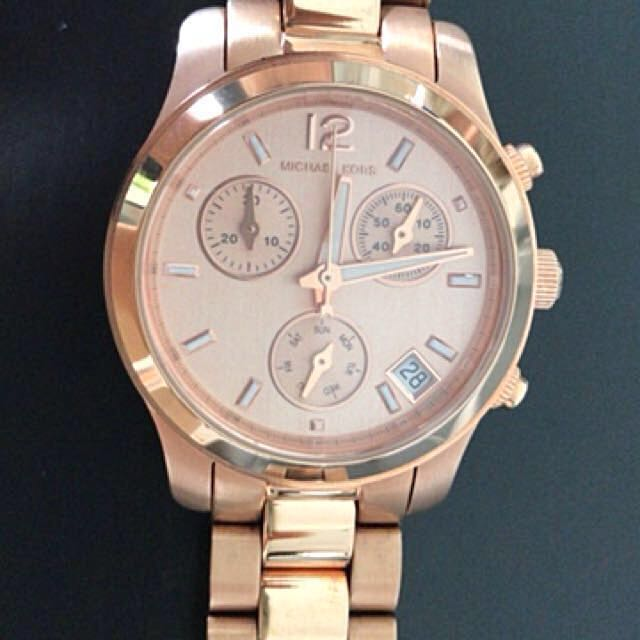 54f1306598e6 Michael Kors Women s MK5430 Runway Rose Gold Tone Watch