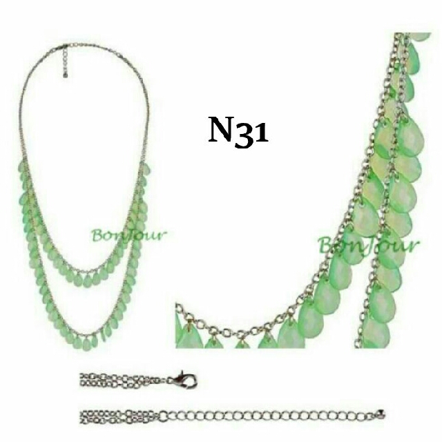 accessories neck neckchains chains green ladies girls necklaces p beads chain colour short photo female access silver