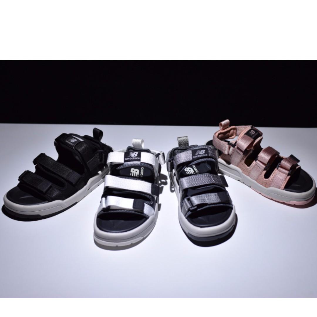 564a71c7391 New balance CRV Sandals