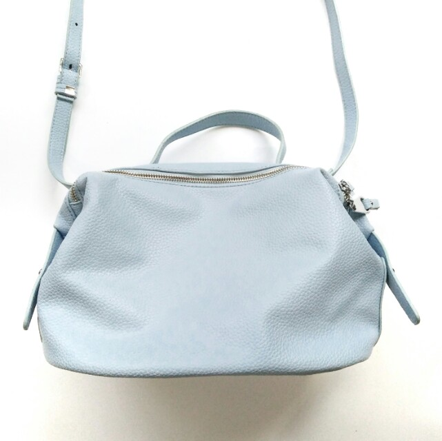 NEW COLLECTION Daytime Handbag with back pocket - Light Blue