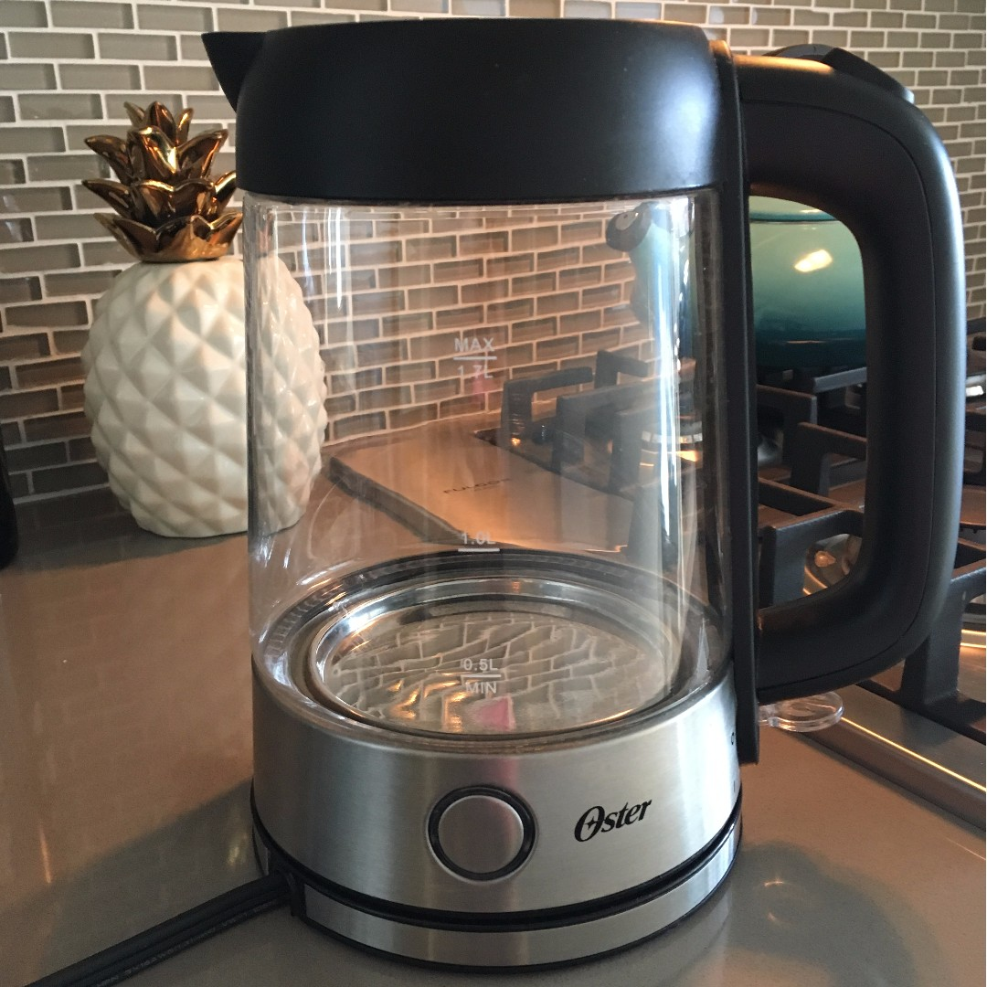 Oster glass kettle, 1.7L illuminating
