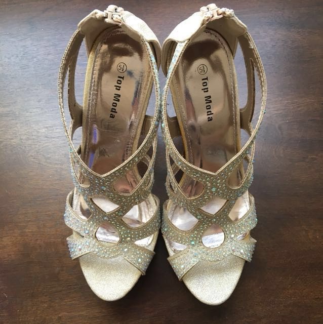 Rose gold sparkly pumps (Size 5.5)
