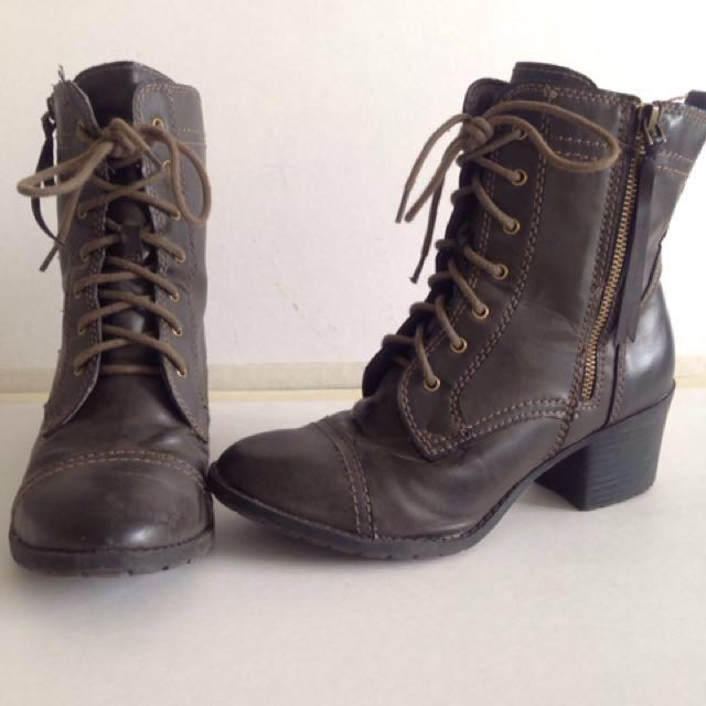 •Size 8 Steampunk boots•