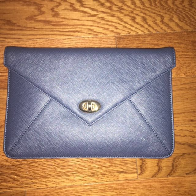 SORIAL Clutch W/ removable Strap